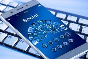 Les réseaux sociaux mutent Instagram Reels LinkedIn TikTok Twitter Social Media